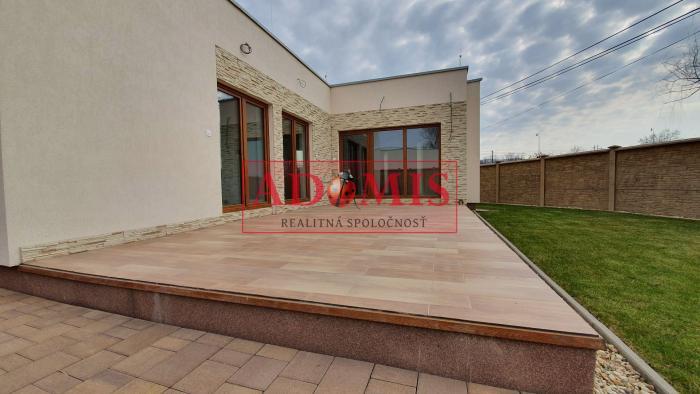 Reality 3-izb. dom - BUNGALOV, priamo pri jazere, pozemok 533 m2, Čaňa