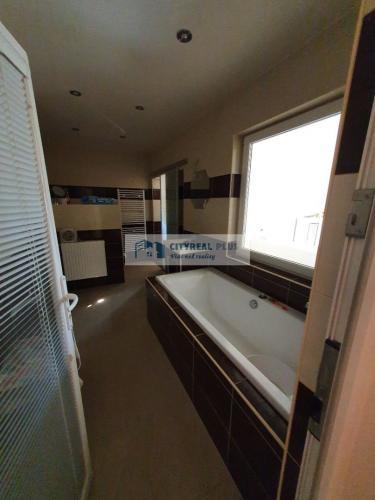 Reality Ponúkame Vám na predaj rodinny dom v obci  Kamenica nad Hronom