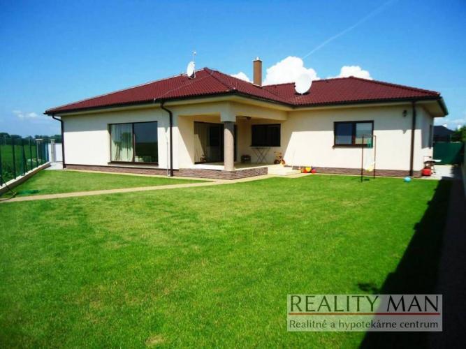 Reality REALITY MAN – 5 izb. bungalov 220 m2, pozemok 644 m2 - Ducové
