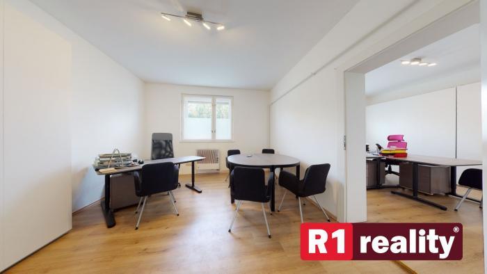 Reality Rodinný dom /pozemok 1438 m2/ Malacky