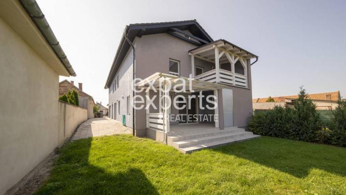 Reality Skvelý, slnečný 5i rodinný dom, 223m2, záhrada, prístrešok pre autá