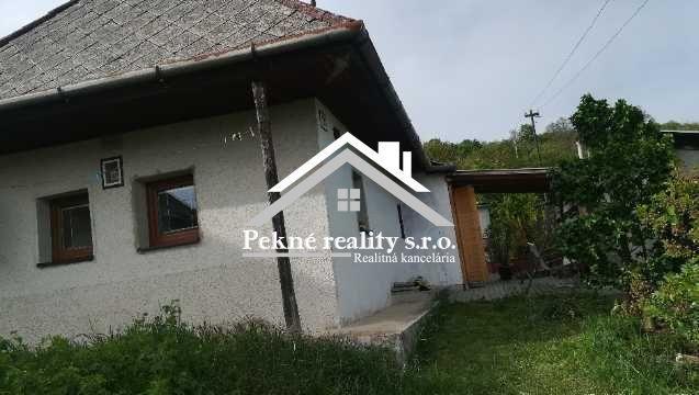 Reality Výrazná zľava ! Len u nás! Predaj rodinného  domu v obci Hrušov s vinicou.