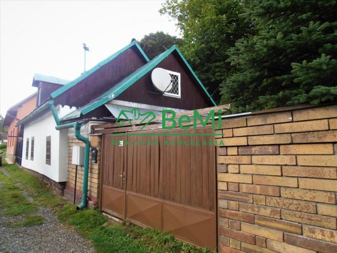 Reality EXKLUZÍVNE-Útulný menší domček/Chalupa v slušnej lokalite obce Medzev (049-12-PEV)