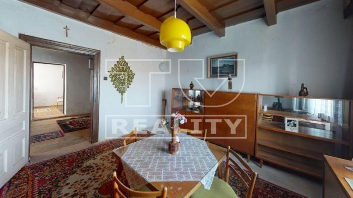 Reality Na predaj starší rodinný dom v obci Svrbice. CENA: 50 000,00 EUR