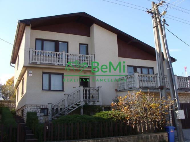 Reality Ponúkame rodinný dom vo vilovej štvrti-Moldava n/Bodvou (003-12-PEV)