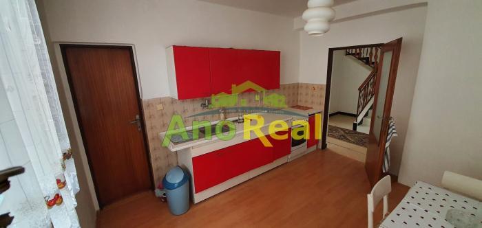 Reality Na predaj rodinný dom s garážou, Stráňavy, 584 m2