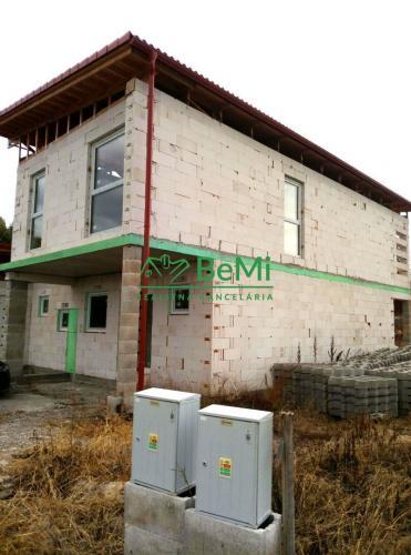 Reality Na predaj 5-izbový rodinný dom -  novostavba (hrubá stavba) v obci Bačkovík (040-12-IVP)