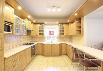 Reality HERRYS - Na prenájom výnimočný 7izbový rodinný dom s veľkým pozemkom v Bernolákove
