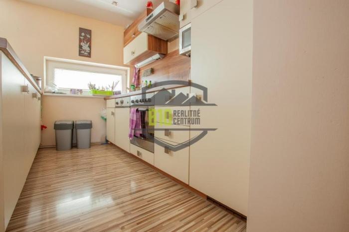 Reality RD - 5 izieb, garáž 50 m2,  klíma, lokalita Spiegelsal, nízke mesačné náklady 70 €!