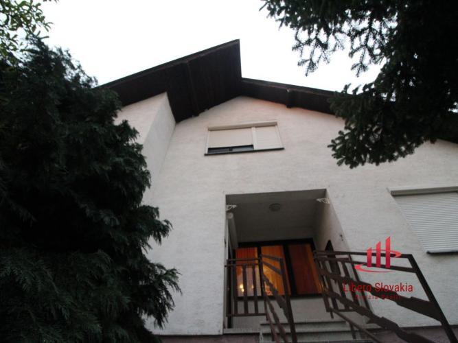 Reality 6 izbový rodinný dom Svätý Peter, predaj