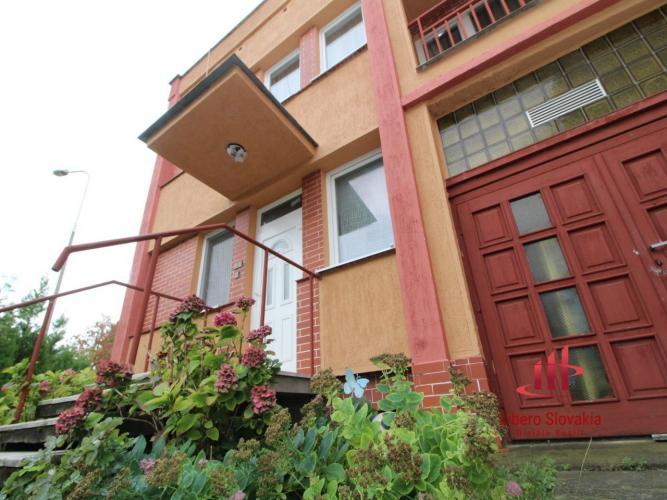 Reality 4 izbový rodinný dom v radovej výstavbe, Komárno
