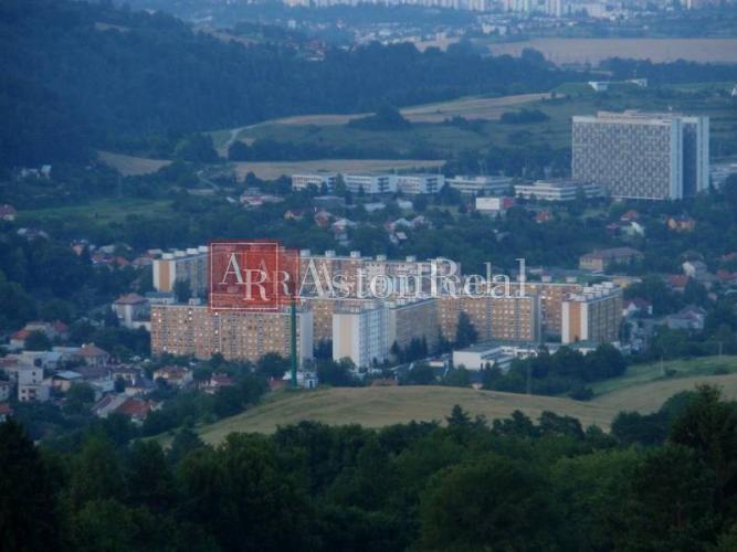 Reality Hľadám pre klienta rodinný dom v Banskej Bystrici časť Podlavice