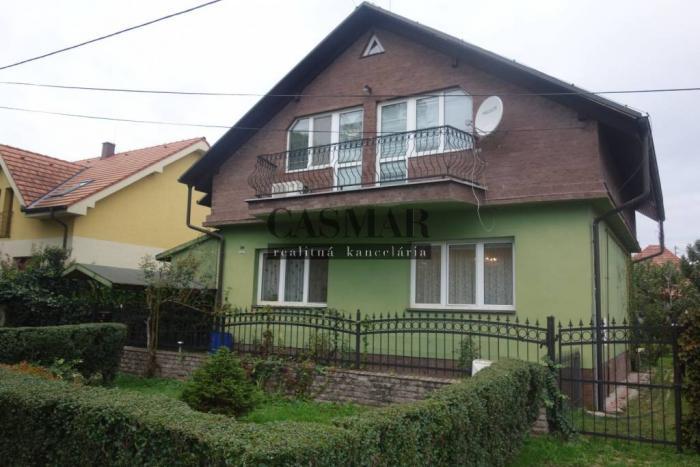 Reality Dvojpodlažný rod.dom vo vyhľadávanej lokalite na ulici Terézie Vansove