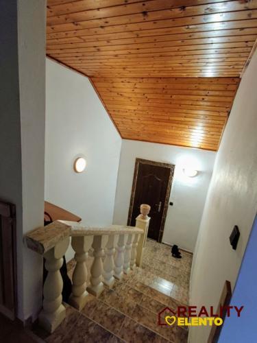 Reality Dvojgeneračný rodinný dom v Oslanoch.