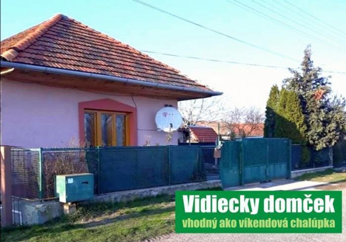 Reality Krásny vidiecky rodinný dom, vhodný ako víkendová chalupa. Na predaj v obci Malé Kozmálovce.