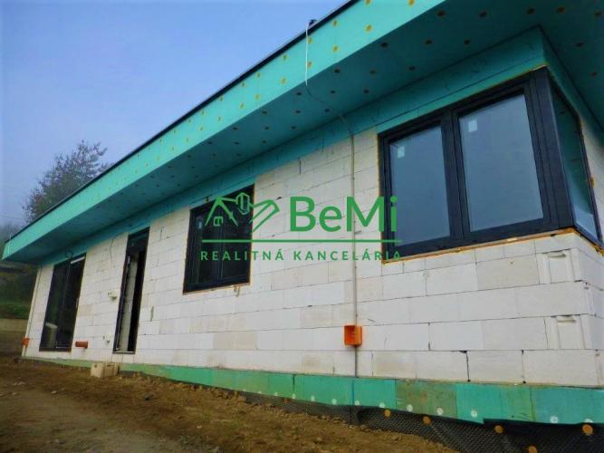 Reality Novostavba rodinného domu v meste Veľký Šariš (017-12-MKR)