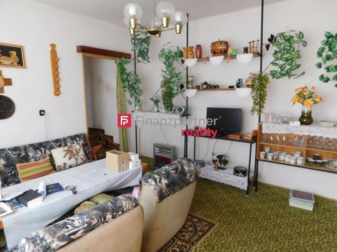 Reality 3 D video - Na predaj rodinný dom v meste Strážske (F145-12-LEH)