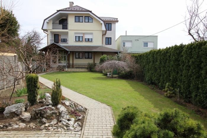 Reality Viacpodlažný rodinný dom, Špačinská cesta - Trnava