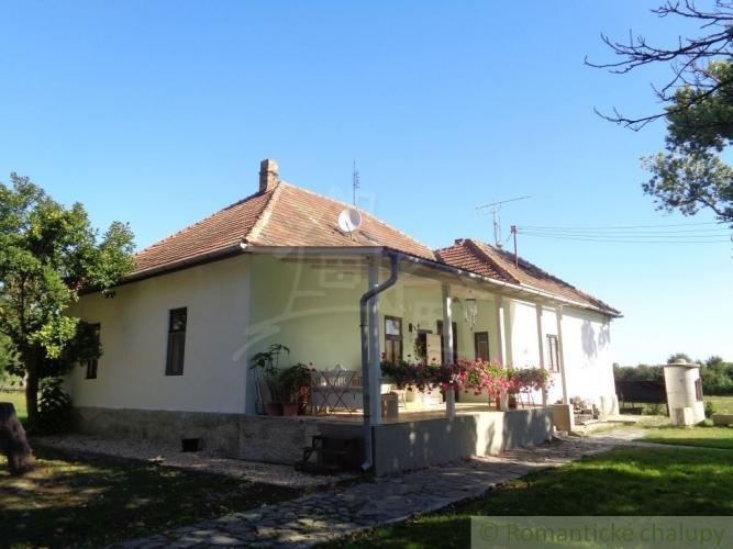 Reality RÝCHLE JEDNANIE - DOBRÁ CENA - Dokonalé miesto na vlastný ranč blízko Lučenca