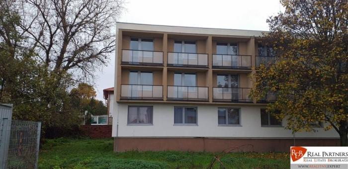 Reality Zrekoštruovaný bytový dom Šala