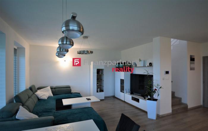Reality Ponúkame na predaj 4izb poschodový dom v Dunajskej Lužnej - Nové Košariská