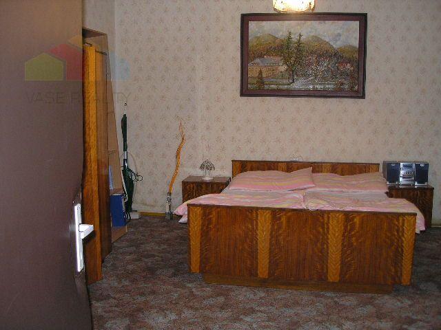 Reality Na predaj Rodinný dom 2+1 LEDNICA, pozemok 420 m2