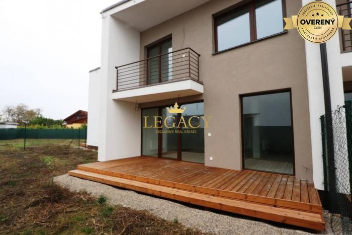 Reality Moderný 4-izbový dom s pozemkom 304m2
