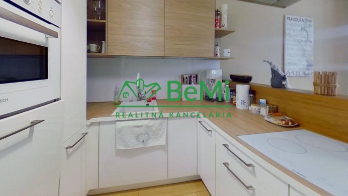 Reality BeMi reality Vám exkluzívne ponúka na prenájom rodinný dom v Prešove. 066-22-RAS