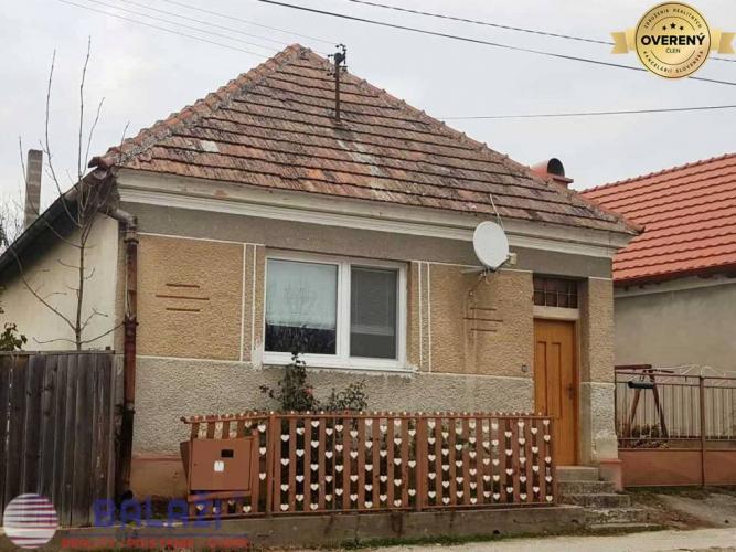 Reality EXKLUZIVNE NITRIANSKA BLATNICA 2 izbový domček, pozemok 766 m2