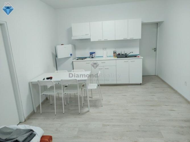 Reality Na prenájom apartmán pre 6 s 5 osôb Ivánka pri Nitre