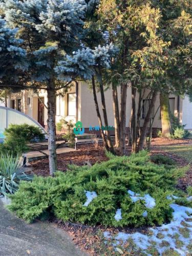 Reality RD na predaj v tichom a príjemnom prostredí, attraktívny pozemok, veľký bazén, dvojgaráž, sa