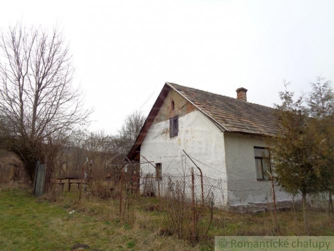 Reality Menší domček so záhradkou na polosamote blízko Trebeľoviec