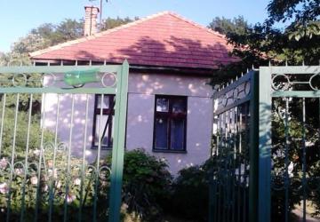 Reality Chalupa so súpisným číslom vhodná i na trvalé bývanie v obci Turčianky, okr. Partizánske.