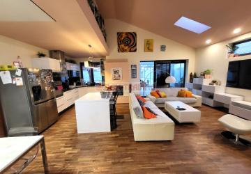 Reality NOVOSTAVBA 5 izb. RD s bazénom, garážou a zimnou terasou - Tymiánová