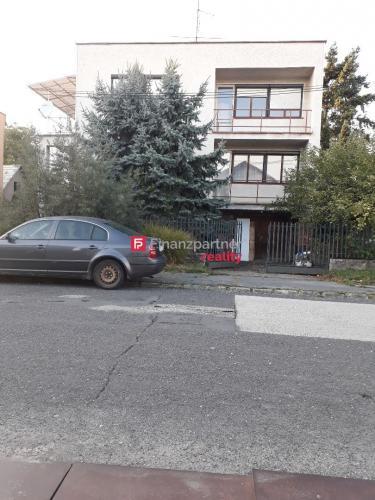 Reality Hľadáte rodinný dom neďaleko mesta Levice?