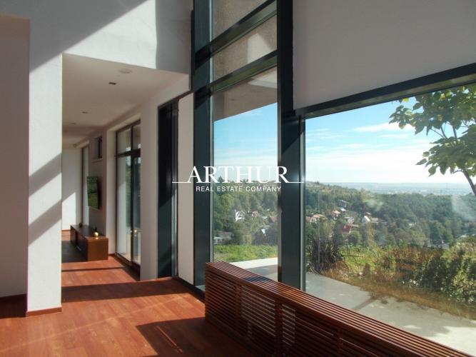 Reality ARTHUR - Atypický a jedinečný 9izb.RD, 500m2, pozemok 1435m2, sídlo na vidieku 25km od BA