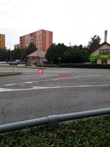 Reality Poschodový dom na podnikanie v centre mesta Želiezovce