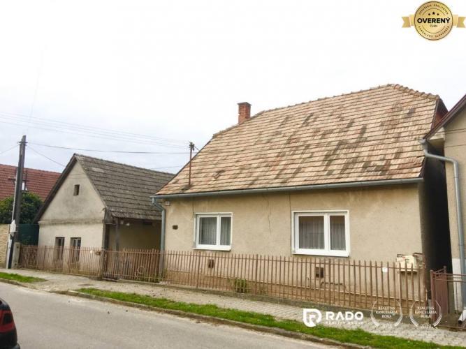 Reality Exkluzívne iba u nás! Rodinný dom s veľkým pozemkom Borčice!