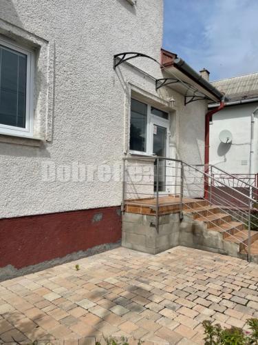 Reality Na predaj 5 izbový rodinný dom v Novákoch