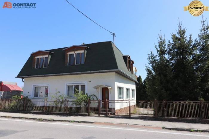 Reality Dvojgeneračný rodinný dom s 1432 m² pozemkom 6 km od Piešťan