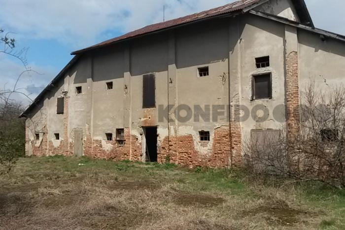 Reality Budova bývalej pálenice, veľký pozemok, obec Sasinkovo, okres Hlohovec