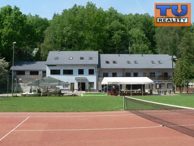 Reality Hotel Zátoka, Holčíkovce-Domaša, areál 3900 m2, CENA: 399 000 €