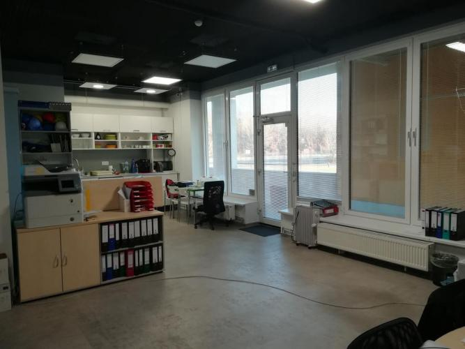5f12ad31c Reality Nové priestory pre obchod a služby na predaj aj prenájom. Antolská  ul.
