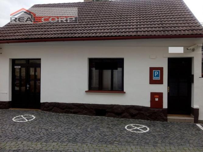 Reality Administratívno-obchodný objekt, Žilina - centrum, 85 m2, Cena: 550 Eur/mesiac + En