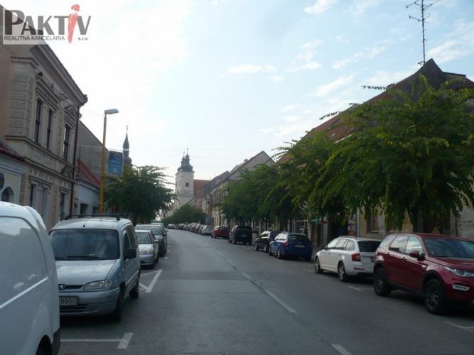 Reality --PAKTIV-- INVESTÍCIA: Meštianske domy v historickom centre mesta.