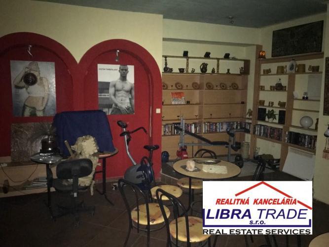 Reality Predaj - Komerčný priestor na Európskom nádvorí v Komárne