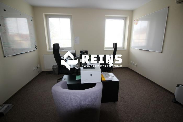 b71ebb9eb23f Reality Prenajmeme jednu kanceláriu s klimatiáciou v Prievoze