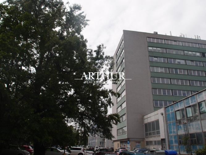 Reality ARTHUR - Predáme kancelárie cca 50 m2 v super lokalite - Drieňova ul., BA II