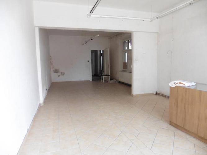 Reality Ponúkame na predaj obchodné priestory v Brezne.