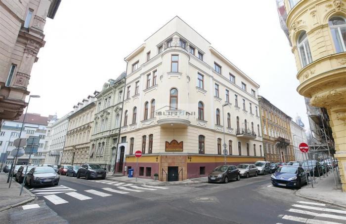 Reality Prenájom 122,5m2 Kancelárie v historickej budove na Sládkovičovej ulici v Starom Meste. Klient n